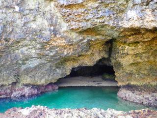 透明度満点!青の洞窟カヌーツアー