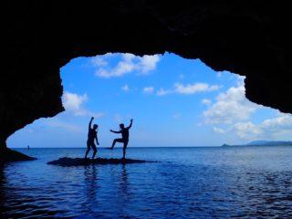 【人気No.1】川平湾SUP/カヌー&青の洞窟シュノーケリング&滝つぼ遊び【1日プラン】