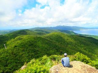 石垣島の山の頂上 写真