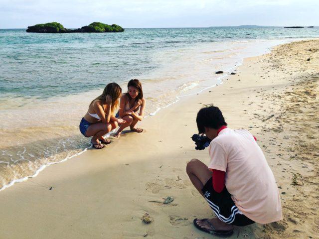 砂浜での動画撮影風景